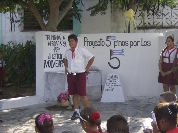 Los pequeños preparon poesías para Los Cinco.